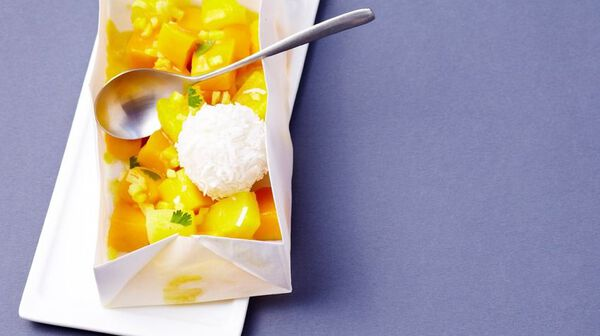 Papillote de fruits exotiques et perles de coco