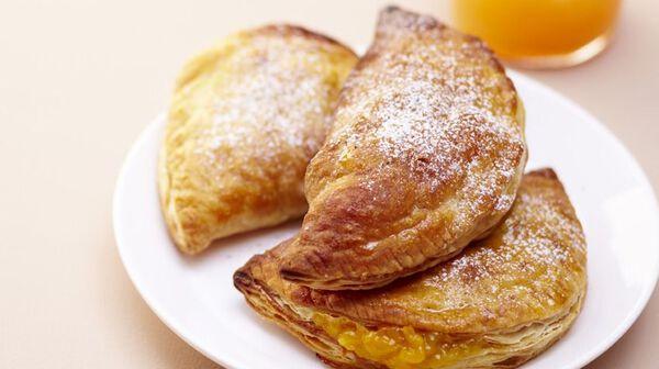 Chaussons aux fruits saveur pain d'épices et miel