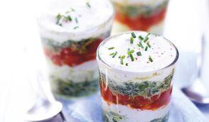Verrine de tomate glacée, pesto, crème d'épinards et ricotta