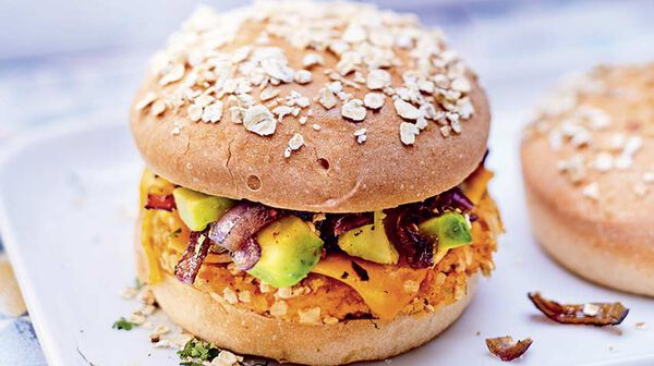 recette burger de patate douce avocat et sauce tahini recettes les plats picard. Black Bedroom Furniture Sets. Home Design Ideas