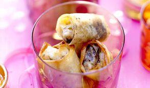 Petits nems de confit de canard, foie gras, poire et épices