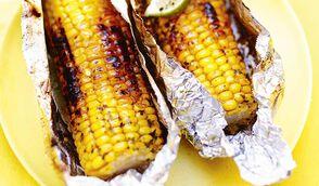 Epis de maïs au beurre de menthe, citron vert et piment d'Espelette