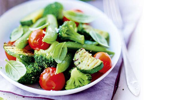Bol vapeur brocolis-pois-courgettes-tomates