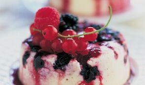 Panna cotta à la vanille et aux fruits des bois