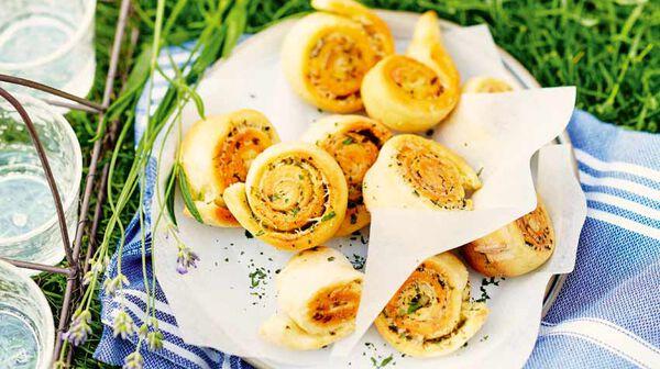 Petits roulés parmesan - ail - basilic