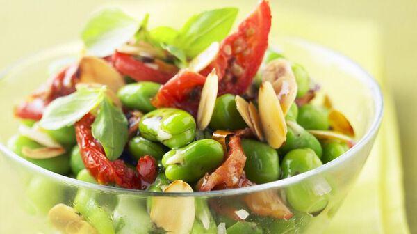 Recette salade express de f ves croquantes recettes les - Cuisiner les feves fraiches ...