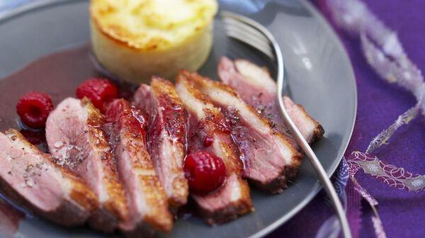 Magret de canard aux framboises et cranberries