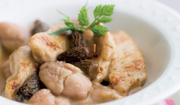 Ris de veau, volaille et morilles, sauce au Porto