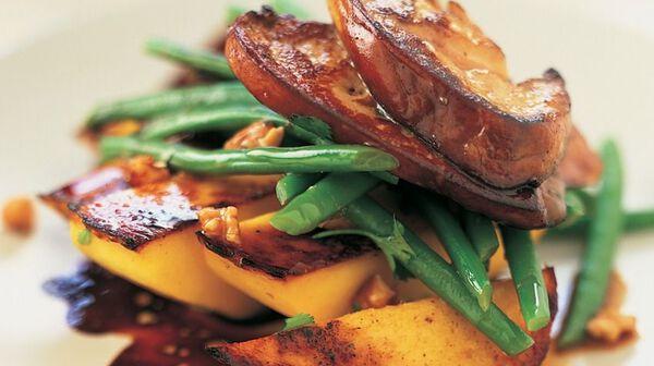 Recette salade un peu folle au foie gras recettes les entr es picard - Cuisiner un foie gras cru ...