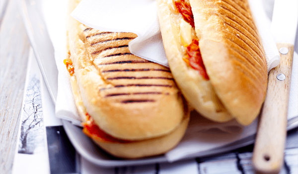 Panini 3 fromages, tomates, basilic
