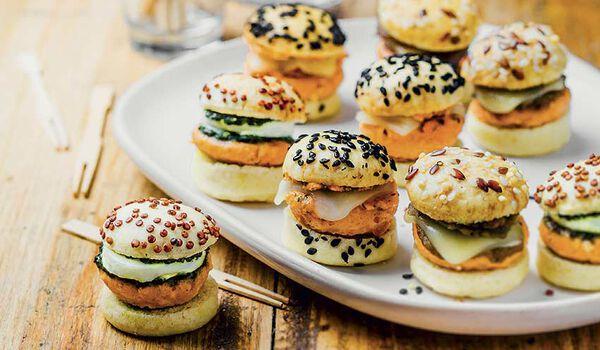 9 mini-burgers