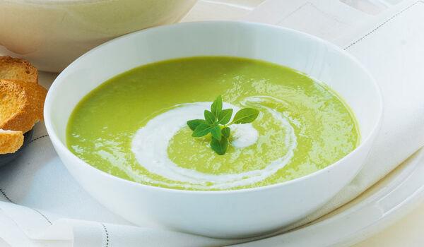 Crème d'asperge verte au Parmigiano Reggiano