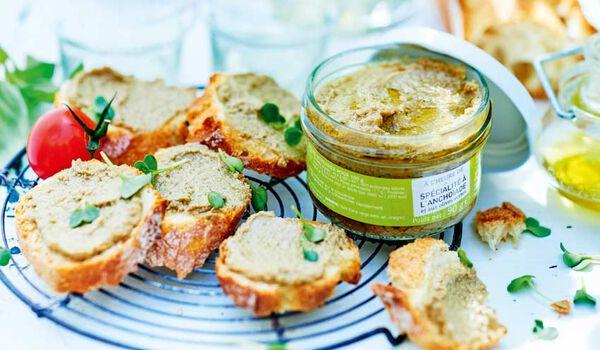 Spécialité à l'anchoïade et aux olives vertes