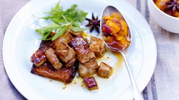 Éclats de foie gras poêlés, chutney de mangue