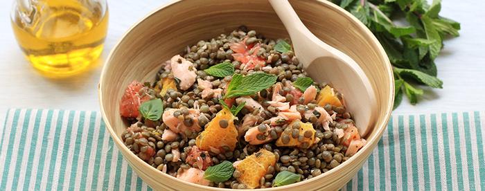 Salade de lentilles au saumon et aux agrumes
