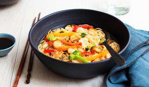 Bouillon aux nouilles et aux fruits de mer