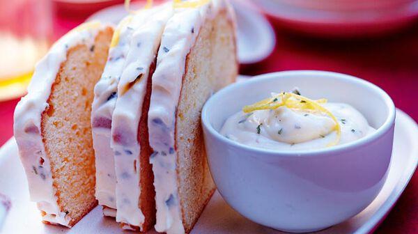 Cake au citron, crème citron-basilic