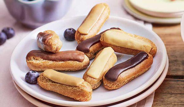 12 mini-éclairs, chocolat, caramel, praliné, café