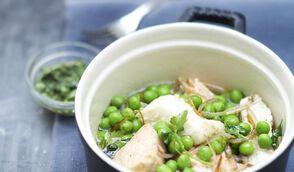 Cocotte de poissons aux petits pois, salsa verte
