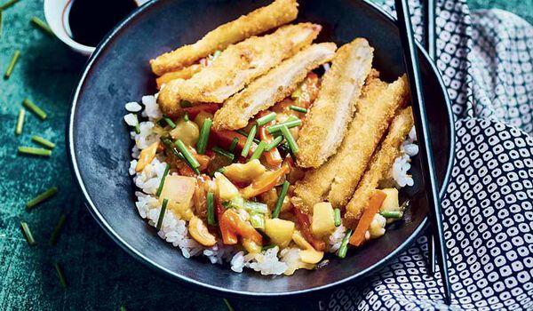 Poulet karaage, riz et légumes cuisinés