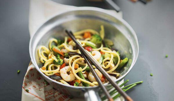Nouilles aux crevettes et aux légumes