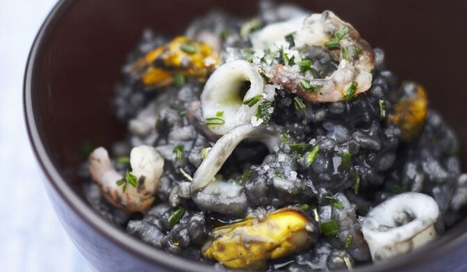 Risotto noir aux fruits de mer