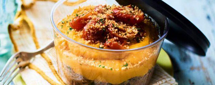 Bœuf, écrasé de courge butternut, duo de tomates