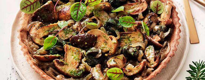 Tarte fondante aux cèpes et escargots de Bourgogne en persillade