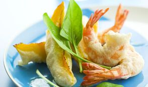 Gambas et mangue en tempura croustillante