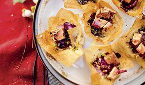 Corolles à la compotée d'oignons rouges et au foie gras