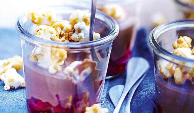 Pot de crème chocolat-framboise et pop-corn caramélisé