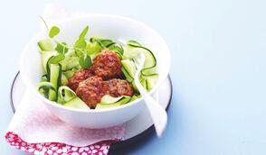 Mini-boulettes de veau au thym et tagliatelles de courgettes