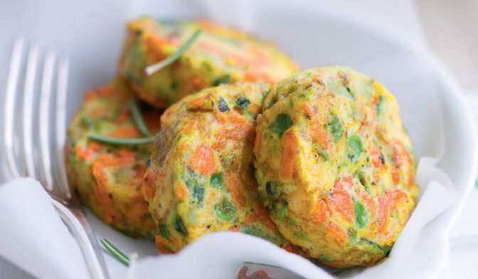 8 palets de légumes courgettes jaune et verte, petit pois doux, carotte