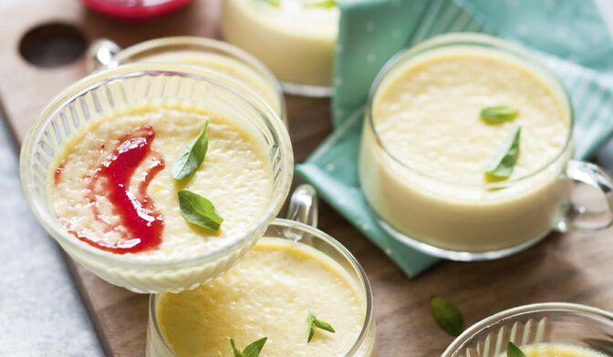 Petites crèmes à la menthe et au basilic