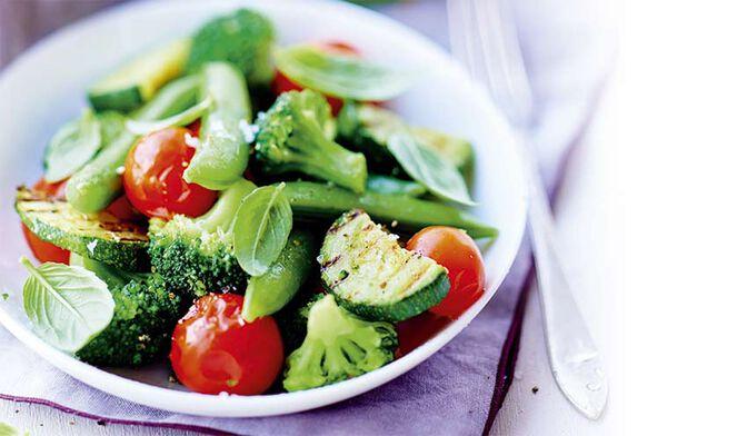 Bol vapeur brocolis, pois croquants, courgettes grillées, tomates cerises