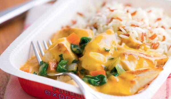 Poulet au curry et au lait de coco, duo de riz
