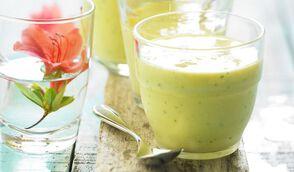 Smoothie ananas-mangue au gingembre et coriandre