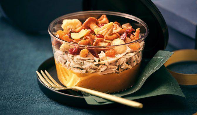 Volaille au Sauternes, purée de courge butternut et de marron, fruits