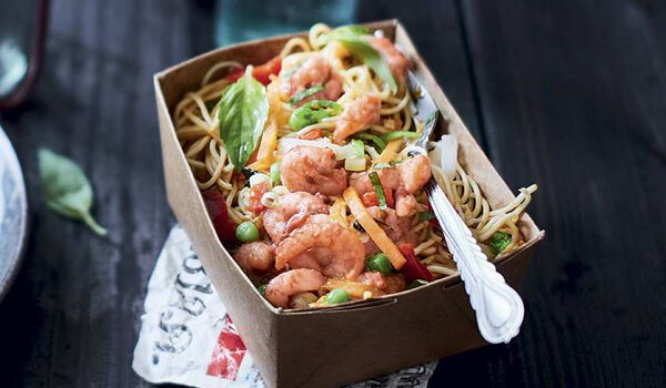 Noodle box crevettes sauce curry rouge