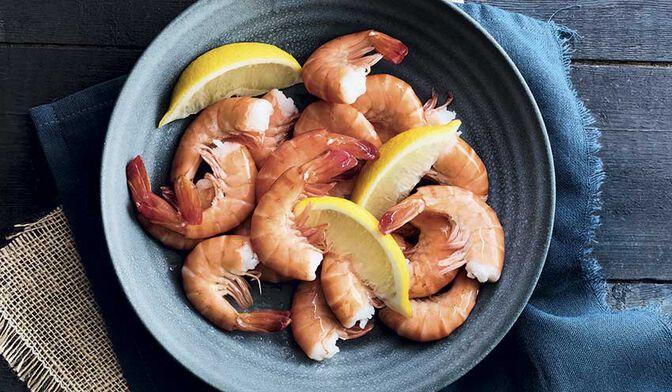 Queues de crevettes tropicales cuites avec carapace ASC