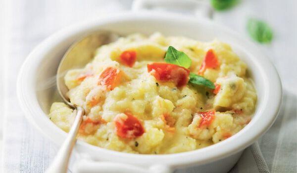 Purée de pomme de terre à la tomate et mozzarella