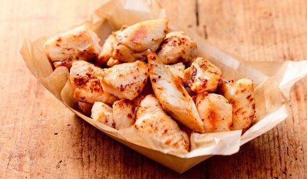 Aiguillettes de poulet rôties et coupées