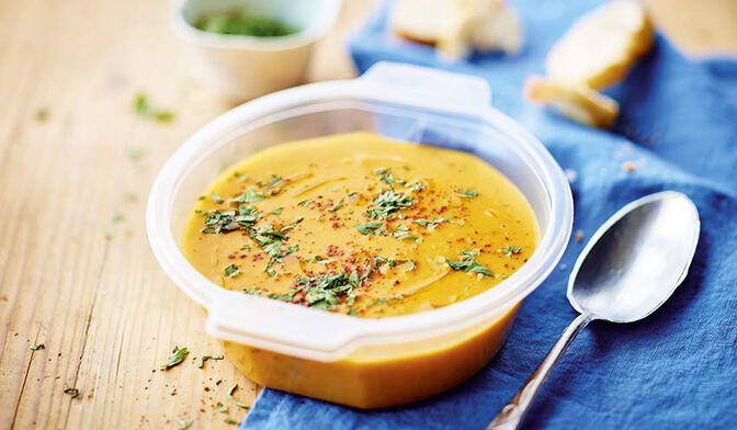 Soupe de patate douce, carotte, lait de coco, gingembre