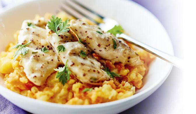 Aiguillettes de poulet à la moutarde et au citron, écrasée de pommes de terre et de carottes