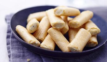 Mini-crêpes au Roquefort