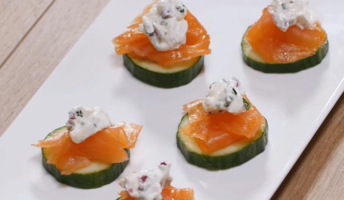 Canapés de saumon au concombre