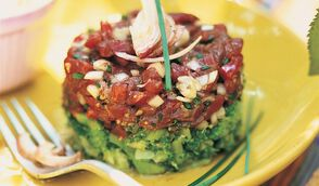 Tartare de bœuf et brocolis fondants