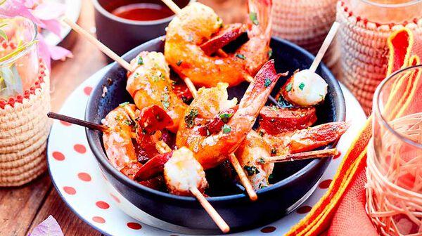 Brochettes de crevettes et chorizo grillés