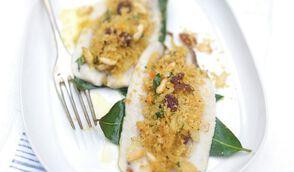 Sardines farcies, feuille de laurier, chapelure parfumée à l'orange
