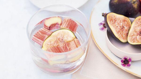 Eau détox La romantique rhubarbe et figues par Margot du blog Bien dans mon slip